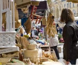Banchi del tipico mercato di Desenzano