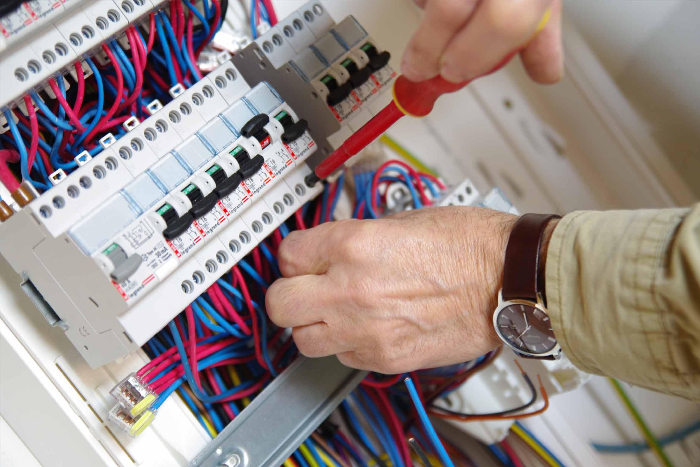 Elettricista h24 Milano